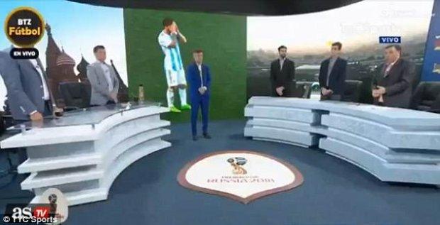 Truyền hình Argentina bị la ó vì dành 1 phút mặc niệm sau trận thua của đội nhà