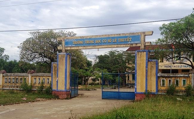 Huế: Thanh niên táo tợn xông vào trường, khống chế hiếp dâm cô giáo