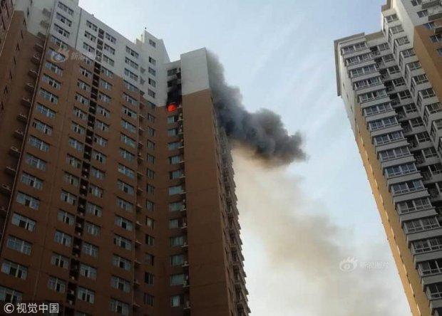 Chung cư mù mịt khói lửa vì lỡ sạc xe điện trên tầng 23