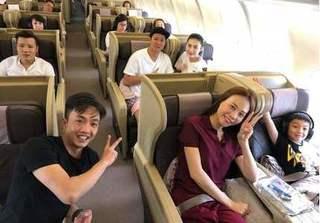 Đàm Thu Trang đi du lịch cùng 2 bố con Cường Đô la