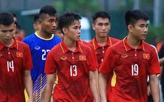 Sao U19 Việt Nam gãy tay trong trận đấu giao hữ trên đất Trung Quốc