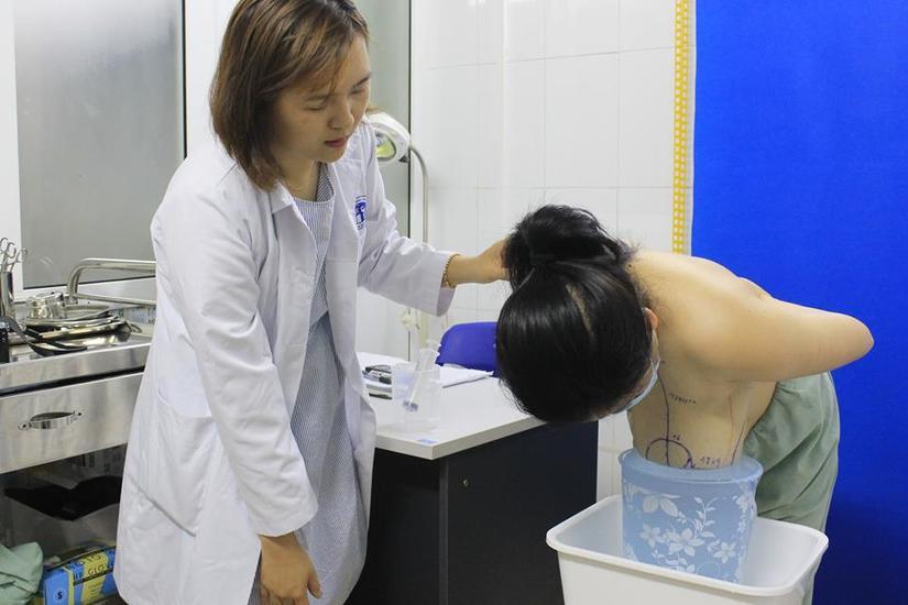Giải cứu nữ bệnh nhân bị phì đại tuyến vú 2
