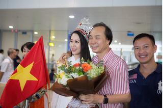 Vừa về nước, tân Hoa hậu Dương Thùy Linh đã tham gia phòng chống đuối nước trẻ em