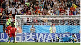 Ronaldo gọi, Messi có trả lời?