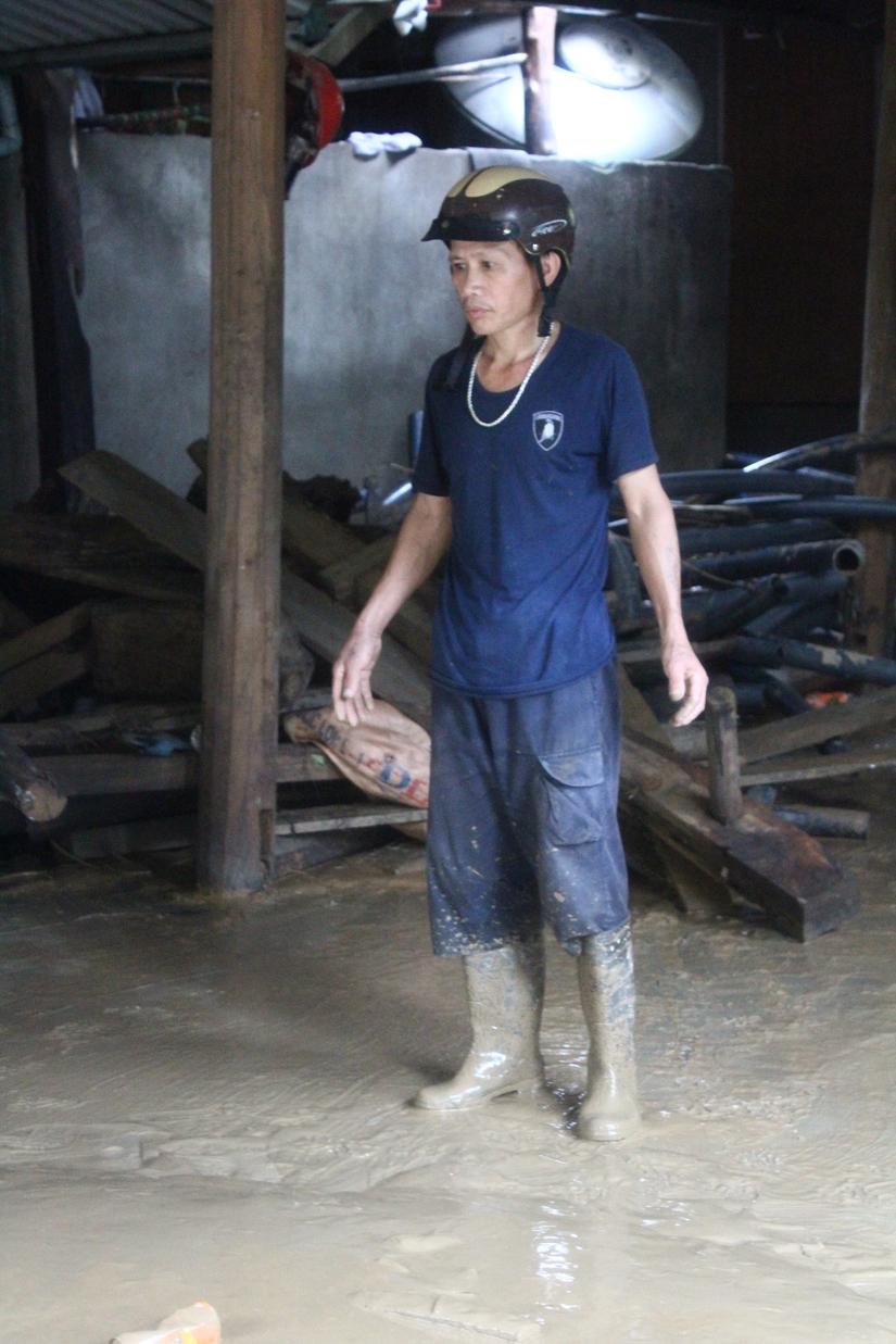 Sau mưa lớn, lũ quét ở Hà Giang còn lại những lớp bùn non3