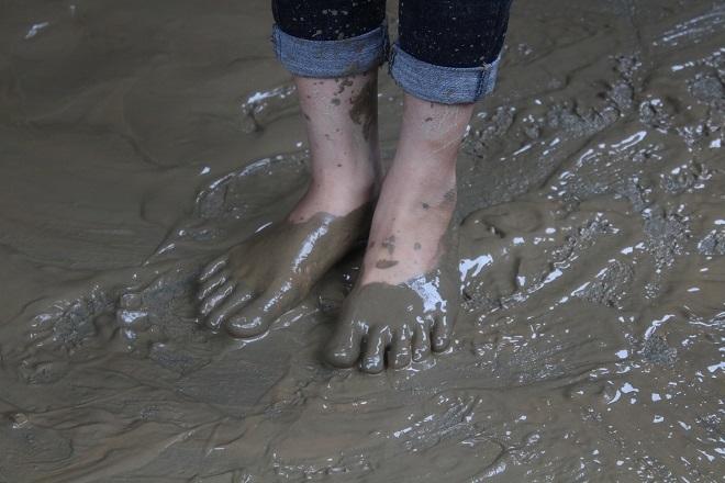 Sau mưa lớn, lũ quét ở Hà Giang còn lại những lớp bùn non6