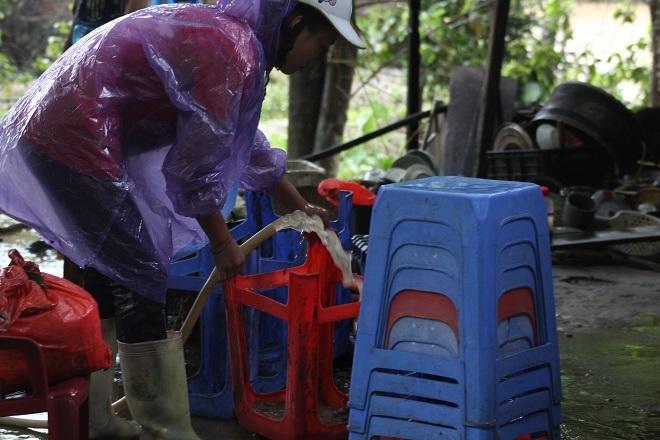 Sau mưa lớn, lũ quét ở Hà Giang còn lại những lớp bùn non9