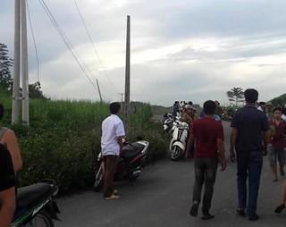 Dựng cột viễn thông, 4 người bị điện giật tử vong