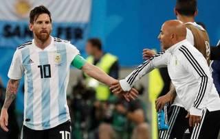 HLV Argentina: 'Lionel Messi như muốn khóc sau chiến thắng'