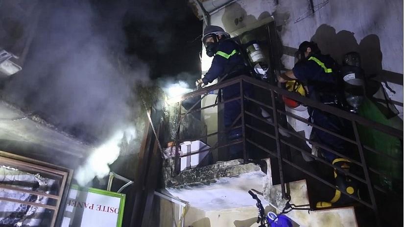 Thức khuya xem World Cup, nhà cháy to vẫn ngủ không hay biết