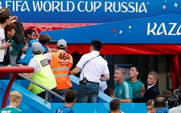 Cơn thịnh nộ của fan hâm mộ tuyển Đức suýt biến thành ẩu đả với Mesut Ozil
