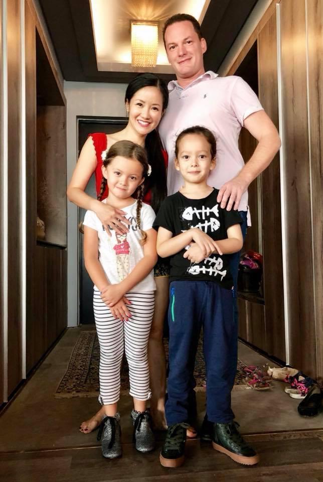 Hồng Nhung bất ngờ tuyên bố chia tay chồng Tây