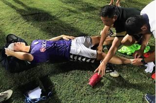 Sao U23 Việt Nam nhập viện khẩn cấp sau pha va chạm ở vòng 16 V-League