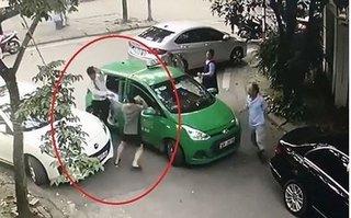 Khởi tố vụ tài xế Mercedes đánh tài xế taxi Mai Linh bị thương