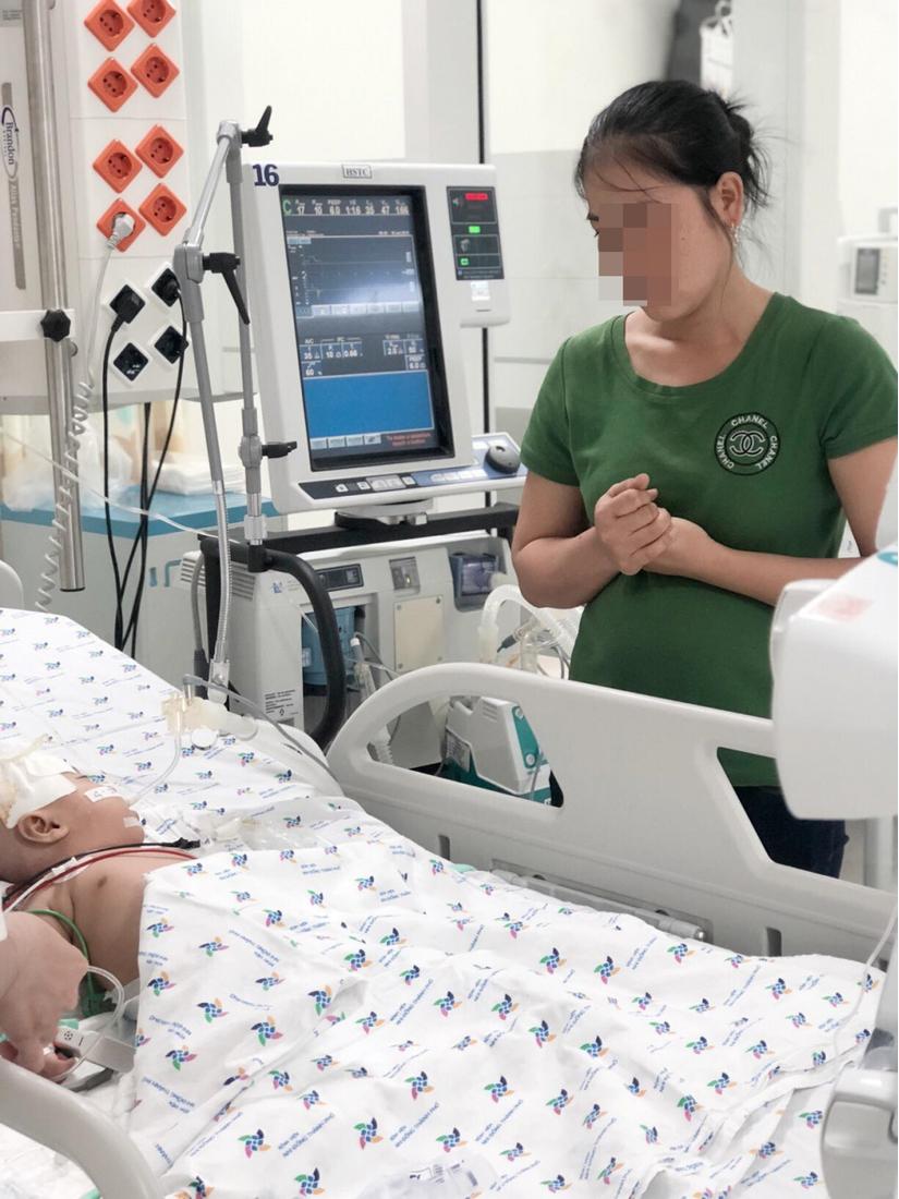 Bé gái bị viêm màng não, bị chẩn đoán nhầm là sốt siêu vi