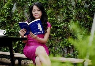 Họa sỹ Lê Thiết Cương làm mới bìa và vẽ minh họa cuốn sách Chuyện nhà Dr.Thanh