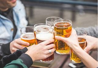 Không uống rượu bia có nguy cơ bị ung thư, chết sớm?