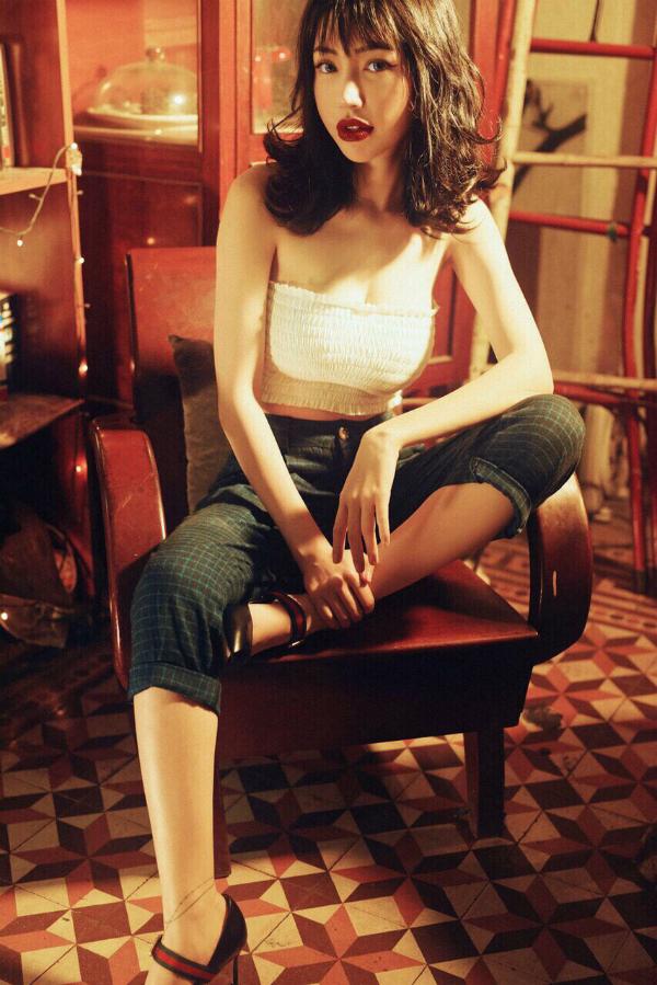 Elly Trần phản pháo chuyện gương mặt khác lạ vì phẫu thuật thẩm mỹ