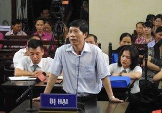 Vụ chạy thận 9 người chết ở Hòa Bình: Khởi tố Phó Giám đốc Bệnh viện
