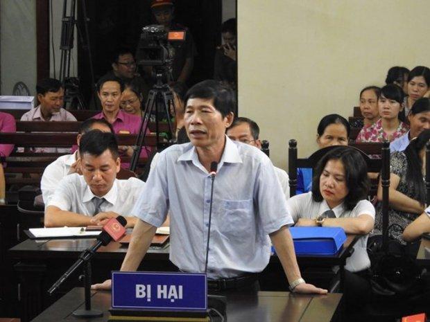 Ông Hoàng Đình Khiếu, Phó giám đốc Bệnh viện Đa khoa tỉnh Hòa Bình