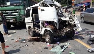 Đấu đầu xe tải, xe 7 chỗ lộn nhiều vòng khiến 5 người bị thương