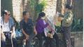 Mẹ nữ phóng viên tử vong ở Sông Hồng khóc ngất khi CA thực nghiệm hiện trường