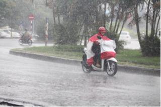 Dân mạng 'mừng rơi nước mắt' với cơn mưa đầu tiên sau đợt nắng nóng kinh hoàng