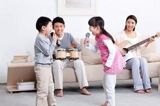 4 việc nên làm với con hàng ngày để trẻ luôn khỏe mạnh và hạnh phúc