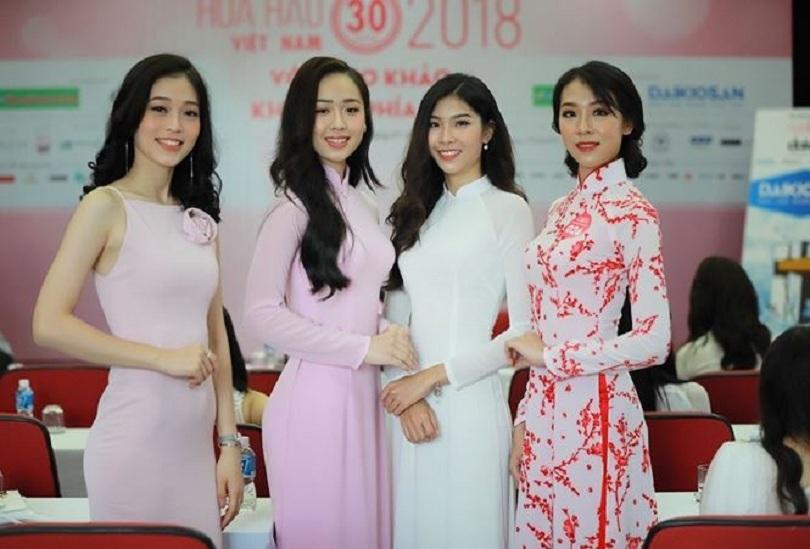 Nữ sinh tặng hoa Tổng thống Donald Trump dự thi Hoa hậu Việt Nam5