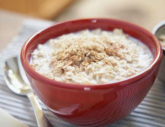 Tuyệt chiêu nấu 3 món ăn dặm giàu dinh dưỡng từ yến mạch2