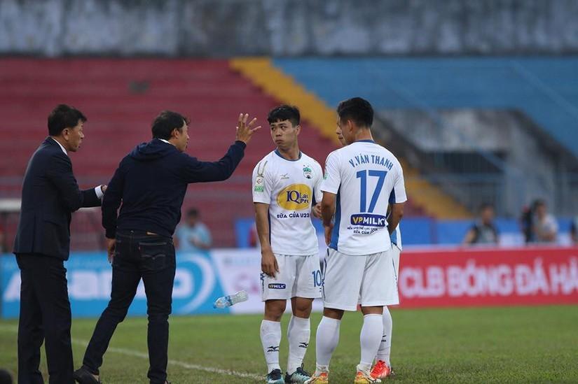 CLB HAGL đã gây thất vọng tràn trề khi để thua 4-2 trước Khánh Hòa