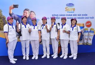 Vinamilk Sure Prevent đồng hành cùng 3 nghìn người cao tuổi tại Giải thi đấu thể dục dưỡng sinh TPHCM