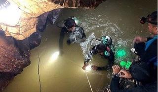 Thêm một cầu thủ nhí đội bóng Thái Lan được đưa ra khỏi hang
