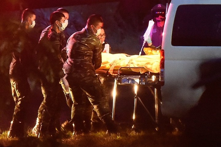 Sức khỏe của 5 người còn lại trong hang Tham Luang vẫn tốt, chưa rõ thời điểm giải cứu tiếp theo