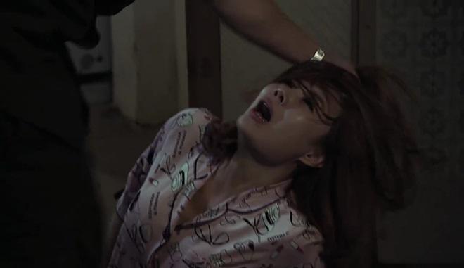 Những màn tra tấn dã man và cảnh nóng trong phim 18+ Quỳnh búp bê