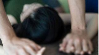 Bắt đối tượng 4 lần 'quan hệ' với bé gái 13 tuổi tại phòng ngủ