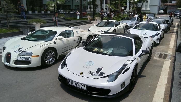 Dàn siêu xe trăm tỷ của đại gia Đặng Lê Nguyên Vũ tại Hà Nội