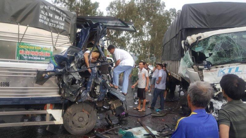 Nghệ An: Ba người thương vong sau vụ tai nạn giao thông kinh hoàng