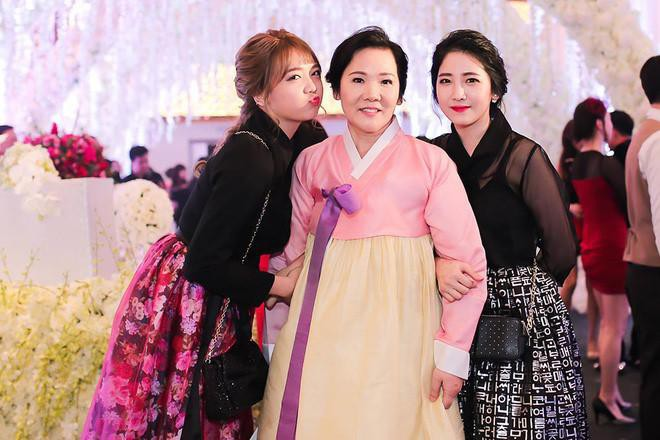 Em gái Hari Won, Hari Won