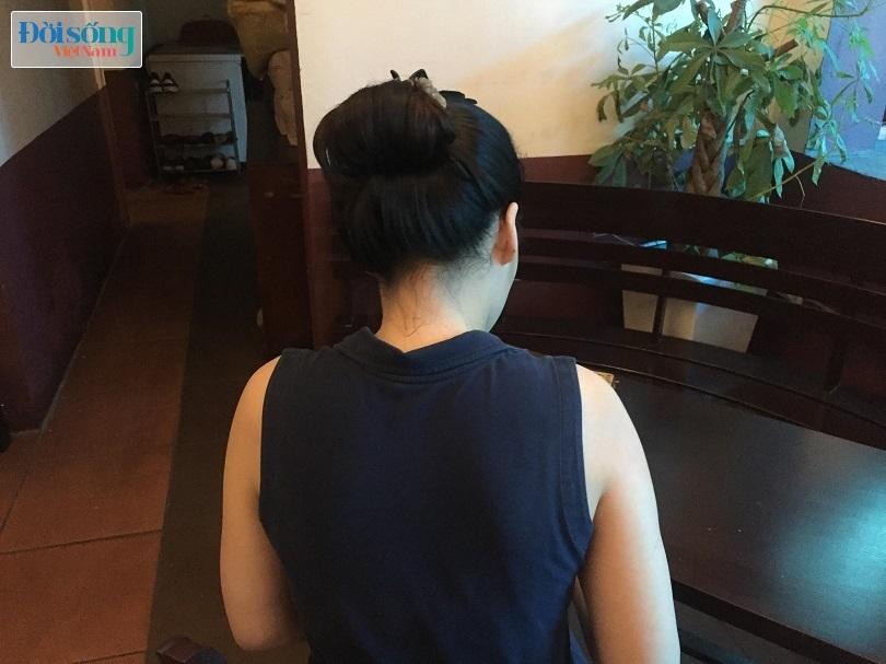 Chị T. đau đớn kể lại sự việc con gái bị ông nội dâm ô