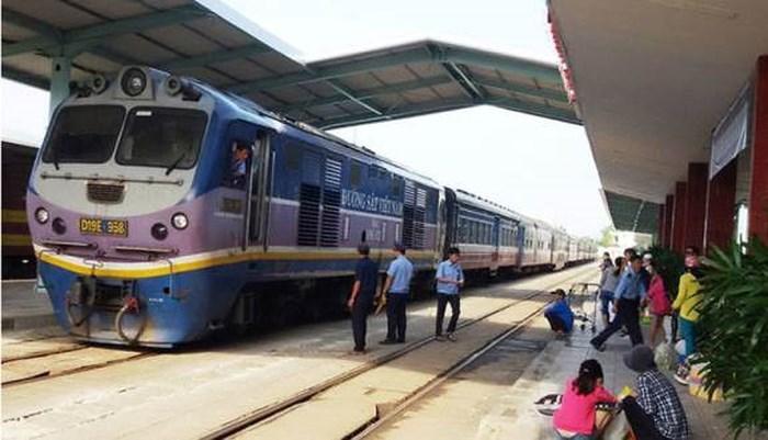 Lại suýt xảy ra sự cố tàu khách đâm tàu hàng tại Nha Trang