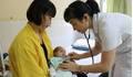Phẫu thuật cứu bé sinh non bị thoát vị bẹn với nhiều bệnh lý phức tạp