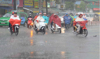 Thời tiết 13/7: Bắc Bộ có mưa dông, cảnh báo sóng lớn trên biển