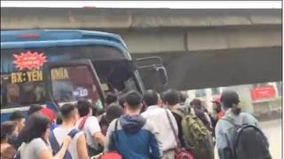 Hà Nội: Ai 'chống lưng' cho hãng xe Đoàn Xuân 'làm xiếc' trên nhiều tuyến đường?