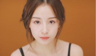 Thánh nữ giới streamer Trung Quốc Châu Nhị Kha sở hữu vẻ đẹp mong manh và giọng hát cực hay