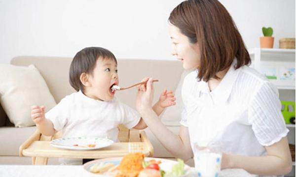 Cách giúp trẻ hết biếng ăn nhanh và hiệu quả mà mẹ nên biết