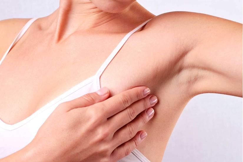 Đau tức ngực là dấu hiệu sớm của căn bệnh ung thư vú.