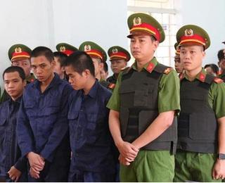 10 bị cáo gây rối trật tự tại Phan Rí Cửa lĩnh án 27 năm tù