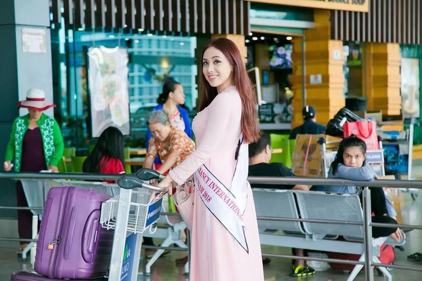 Miko Lan Trinh duyên dáng trong tà áo dài lên đường sang Đài Loan thi hoa hậu4