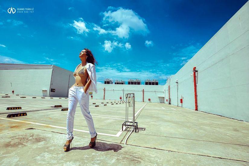 Người mẫu nude Kim Phương tung ảnh nóng đốt mắt